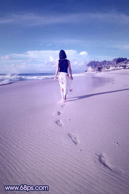 Photoshop调出梦幻蓝紫色沙滩外景人物图片