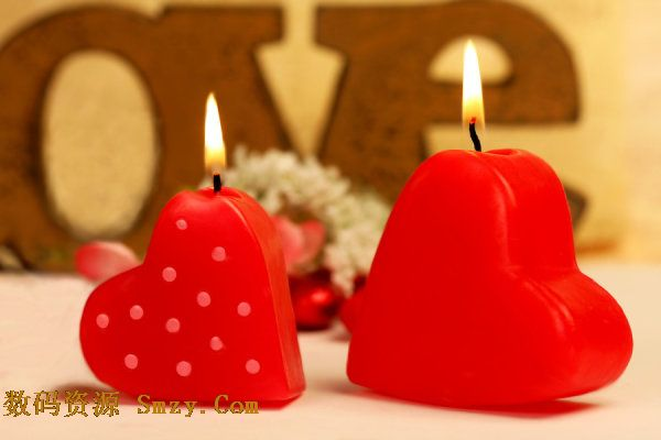 情人节主题元素之心形蜡烛高清图片素材