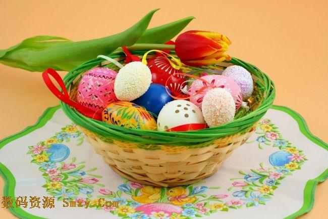 复活节手绘彩蛋竹筐高清图片