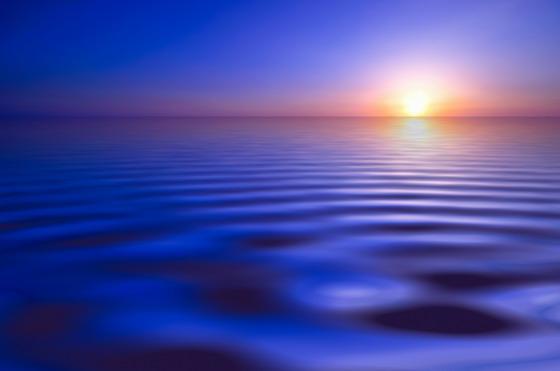 资源下载 平面素材 精美图片 风景 → 水波涟漪与天边的夕阳摄影高清