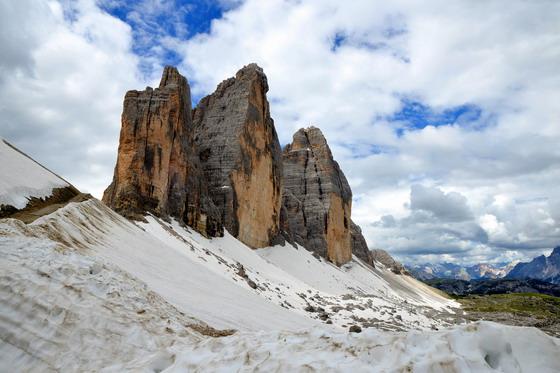 首页 资源下载 平面素材 精美图片 风景 > 天空白云雪山自然风景摄影