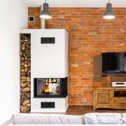 房间干柴壁炉与电视机摄影高清图片