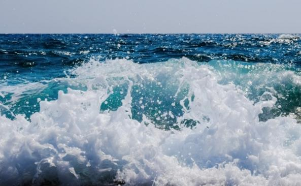 蔚蓝大海风景精美图片