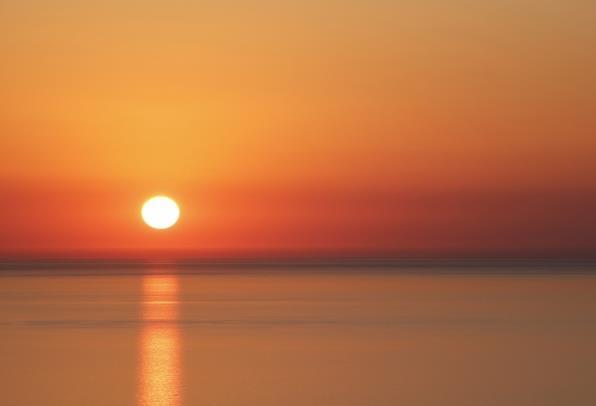 首页 资源下载 平面素材 精美图片 风景 > 海上唯美夕阳高清图片下载